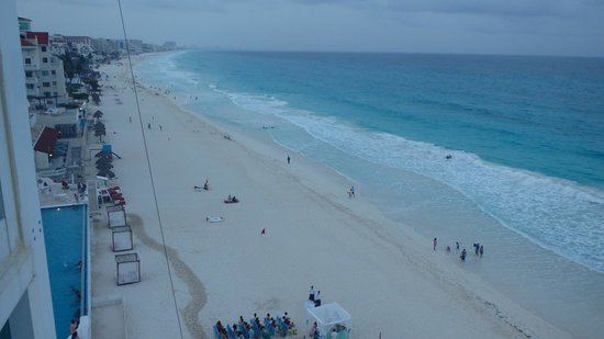 Oleo Cancun Playa: view from our room 3466