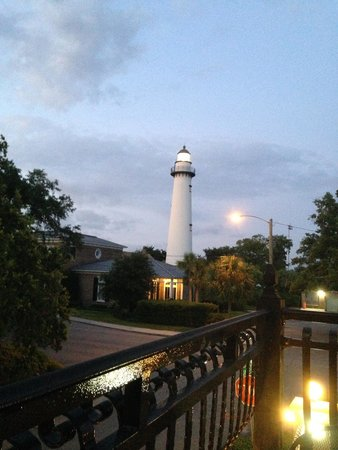 Ocean Inn and Suites : View from our suite at night