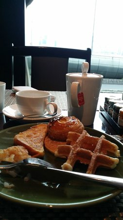 InterContinental Grand Stanford: Breakfast
