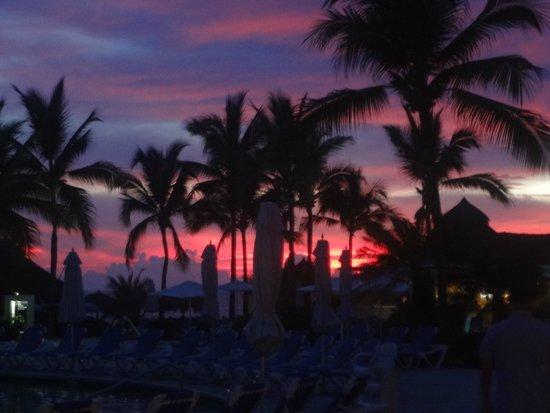 Hard Rock Hotel Vallarta : Amazing Sunset from beach