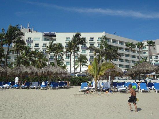 Hard Rock Hotel Vallarta : View of hotel from the beach
