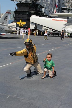 Musée de l'USS Midway : playing on the flight deck