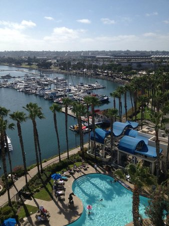 The Sheraton San Diego Hotel & Marina : View of pool and Marina from my room - 9th floor