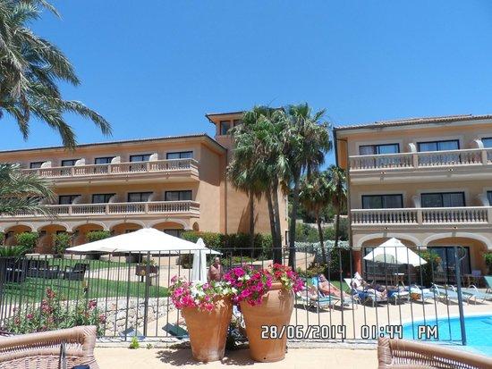 Mon Port Hotel & Spa: pool area