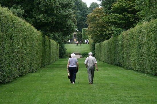 Hidcote Manor Garden: So English