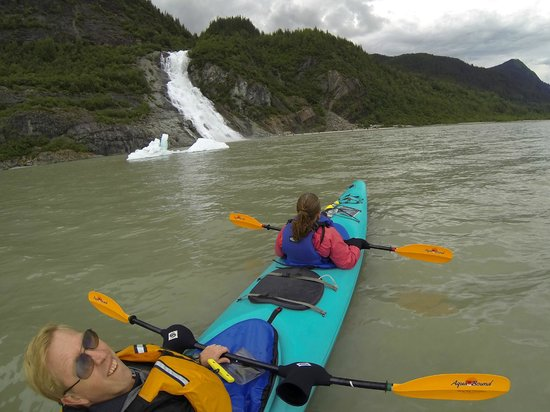 Above & Beyond Alaska : Tandem Kayak Trip to the Mendenhall Glacier