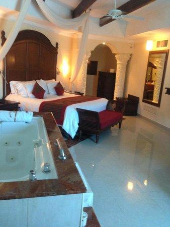 The Royal Playa del Carmen: Room