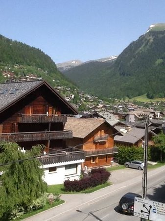 Mountain Spaces - Chalet Le Milan Noir: the view from our room