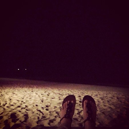 West Bay Beach: Noche relajada!