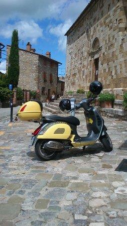 Umbria in Vespa: Montefollonico