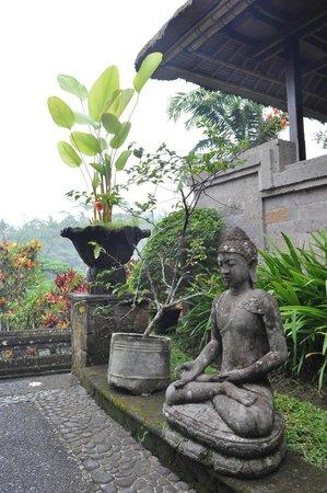 Tanah Merah Art Resort: near the villa