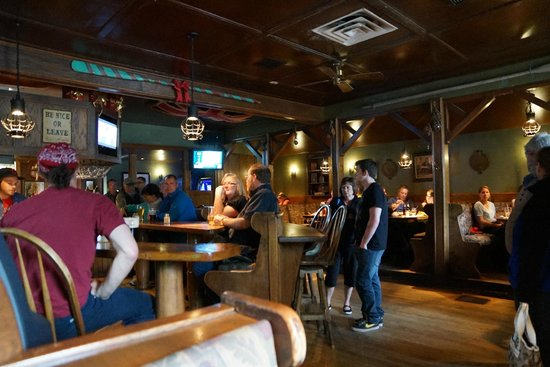 The Knot Pub: Inside
