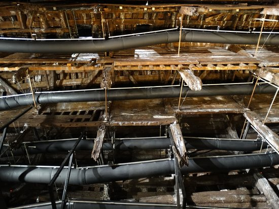 Portsmouth Historic Dockyard: Hull being dried out