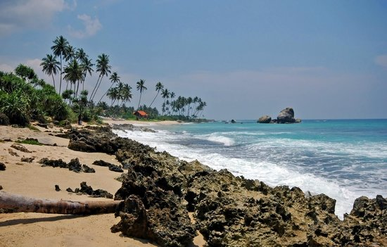 Club Koggala Village: бухта слева от отеля