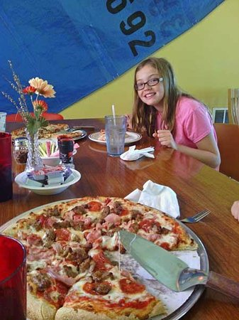 The North End Eatery: The all meat pizza!