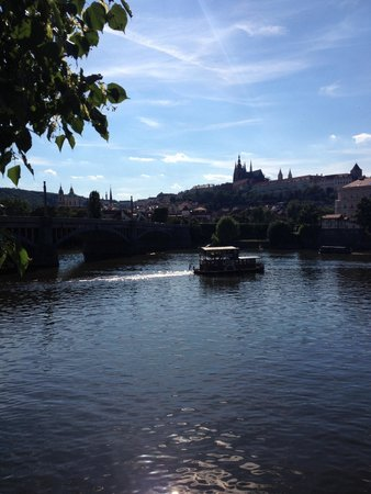SANDEMANs NEW Europe - Prague : The tour ends at this beautiful river