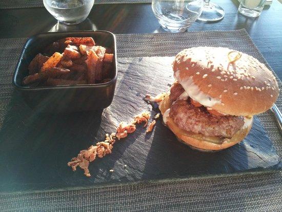 17 Cote Lac: Burger à l'agneau