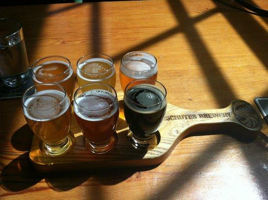 Deschutes Brewery: Flight of beer
