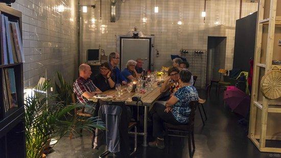 cafe Het gouden hoofd : Grote tafel voor een grote groep