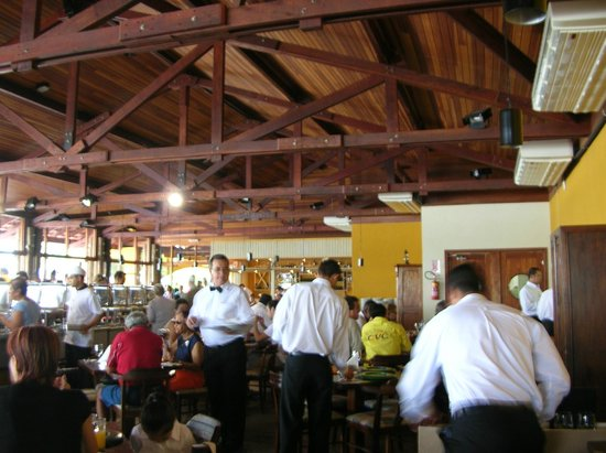 Porto Canoas: Espaço amplo