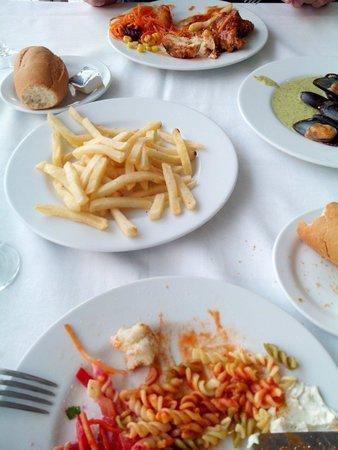 Aguamarina Golf Apartments: Comida riquísima del buffet.