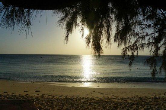 Osprey Beach Hotel : Sunset on the beach