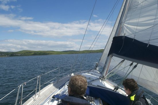 Portavadie Loch Fyne: Sailing towards Portavadie