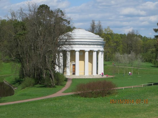 Tsarskoye Selo State Museum Preserve: Pavilion in Pavlosk Palace garden