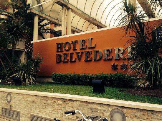 Ohtels Belvedere: Front of hotel