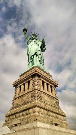 Statue de la liberté : June 27 2014. Amazing natural early morning light made for beautiful photos.