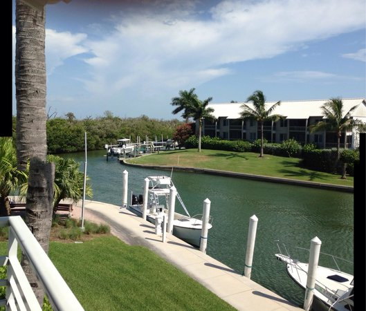 South Seas Island Resort : Entrance to marina- view from our room.