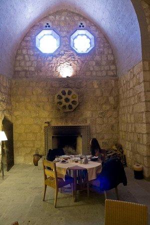 Argos in Cappadocia: Lovely breakfast two doors down