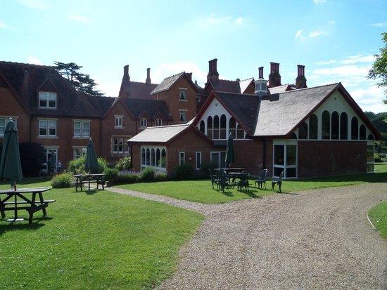 Pendley Manor Hotel: Pendley Manor Rear