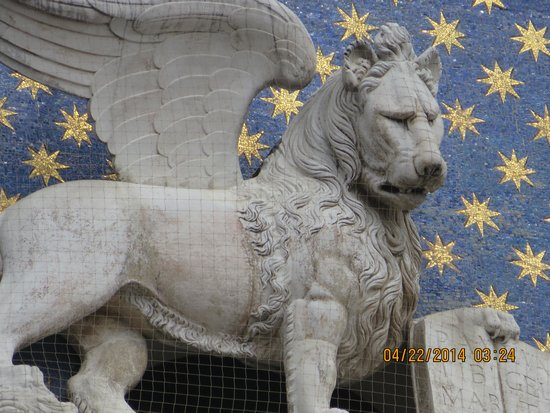 Gran Canal: the Lion of St Mark's Square