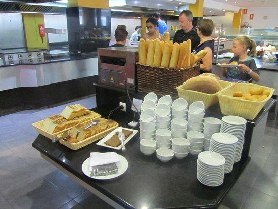 SunConnect Cabogata Garden: Brood en toaster ontbijt