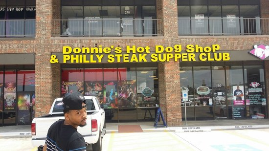 ‪Donnie's Hot Dog Shop & Phillys‬