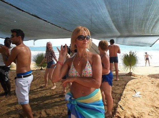 Rubi Hotel: Дискотека на пляже.