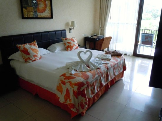 The Royal Corin Thermal Water Spa & Resort: room when we arrived