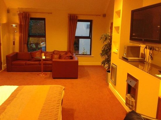 Oranmore Lodge Hotel: Cherry Suite