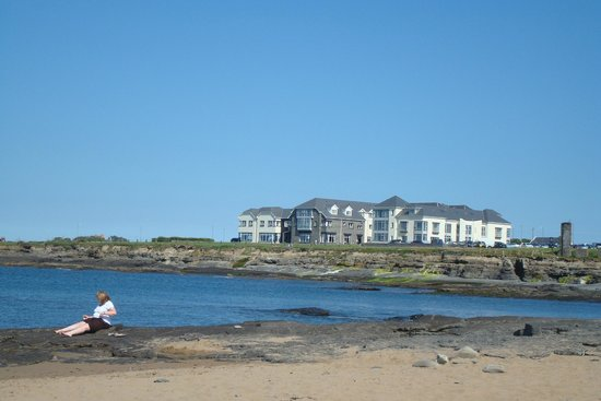 Armada Hotel : view from lovely sunny beach