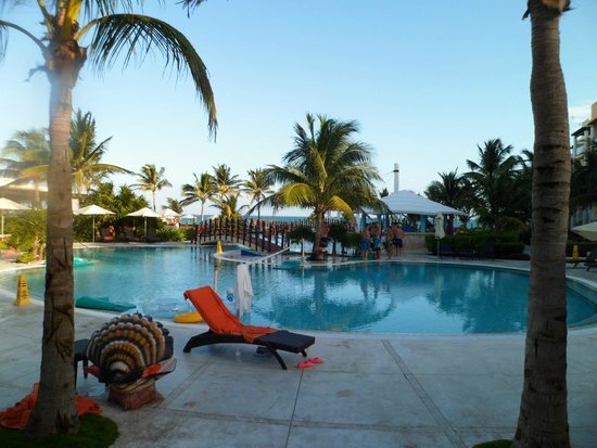 Now Jade Riviera Cancun : Never overcrowded...