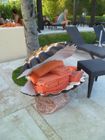 Now Jade Riviera Cancun : Never ending towels... can NEVER have enough towels on a resort!