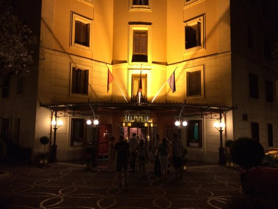 Grand Hotel del Gianicolo: Night lighted