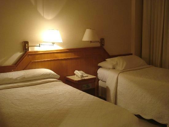 Hotel Cuatro Reyes: Quarto que eu fiquei