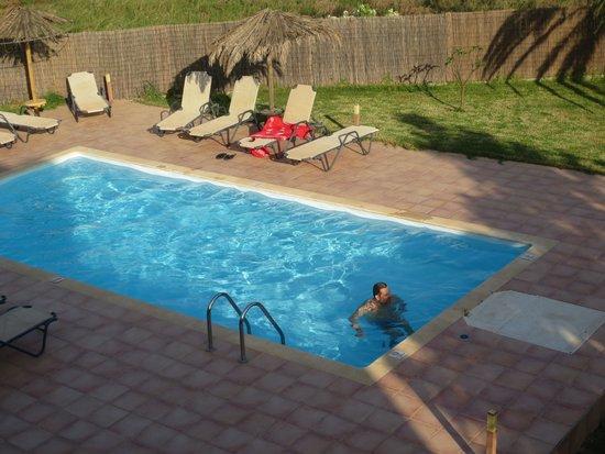 Labyrinth Studios: the swimming pool