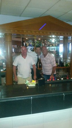 Iliada Beach Hotel: Me and my mate dave with makis