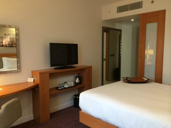 Hampton by Hilton London Waterloo: Another view of the standard Double Room