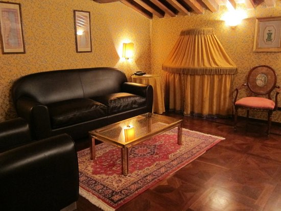 Hotel Villa Del Quar: Sitting room