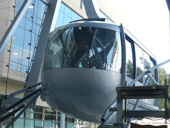 """Portland Aerial Tram : Gentle """"Landing"""""""