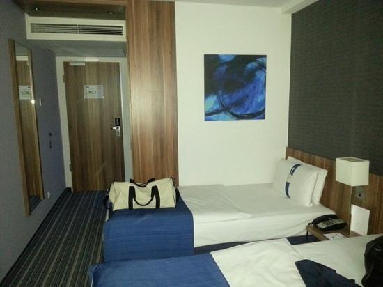 Holiday Inn Express Hamburg - St. Pauli Messe: german efficiency at its best
